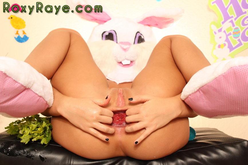 [Roxy Raye] Roxy's Easter Special