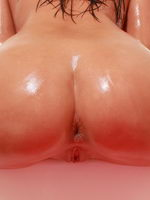 Roxy Doing A Little Anal Fisting While Covered In Baby Oil - Picture 6