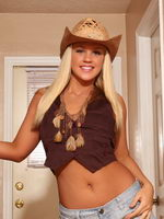 Hot Ass Roxy Doesnt Need A Cowboy To Please Her - Picture 2